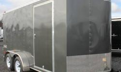 CHARCOAL GRAY EXTERIOR COLOUR, REAR BARN DOORS, SIDE ENTRY DOOR, FRONT STONEGUARD, 2 X 12V INTERIOR DOME LIGHTS, 12V SURFACE MOUNT WALL SWITCH, 4 X SQUARE D-RINGS, GVWR 7000LBS, DRY WEIGHT 2125LBS www.1000islandsrv.com