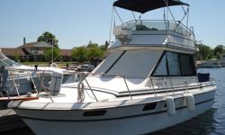Twin 5.7 Bluewater Marine engines combined with huge windows make this boat a joy to handle. This boat has low hours, is well equiped and ready to go. She can sleep up to 6.It has radar, 2 vhs radios 2 depthsounders, trim tabs, bumpers and racks,flybridge