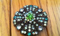 2 GORGEOUS GREEN BROOCHES at .50 cents each !!   ( I Have other necklaces and other jewellerry items for sale too ! , So be sure to check out my other items )