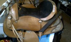 i have 3 brand new western saddles one is a 15inch one is 16inch and the other is a 17inch they are all brand new saddles that come with headstalls and a breastplate saddles are located in new liskeard.. little_ash_babe@hotmail.com