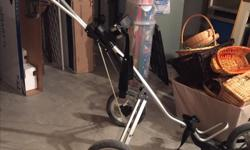 3 wheel, collapseable, golf cart. Like new