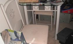 Glass top Kitchenette with chairs, creamy beige colour
