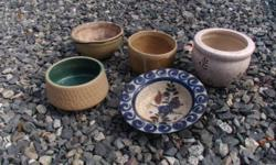 5 decorative clay pots. Please have a look at our other ads.