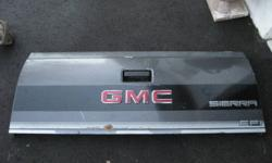 91 GMC Stepside Tailgate, good solid tailgate always oil sprayed will fit 88-98 asking $75 O.B.O. call 519 753 0496 or 519 865 1221 ask for Ron