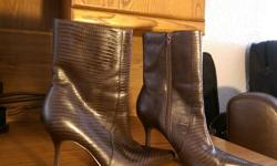 Beautiful boots only worn a couple of times..just came out of storage.