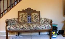Beautiful Antique bench. $285 or best offer. Won't last long. Serious inquiries only.