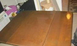 antique drop leaf table with 2 chairs call only 613-286-9462 call anytime $50 takes it away so call