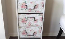 Antique flower dresser, great condition. Email for price