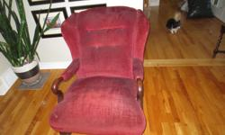 Antique stuffed arm chair Solid construction, may need new upholstery $50