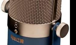 The active element of the Apex210 is a very thin corrugated aluminum ribbon mounted under low tension between the poles of a strong magnet. The asymmetrical figure-8 pickup pattern has an extended sweet spot on the rear face of the microphone allowing the