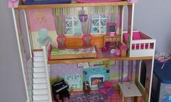 1. Maison de Barbie en bois avec meubles: 70$ / Barbie house with furniture 2. Ensemble Barbie Sea Doo: 10$ / Sea Doo set 3. Ensemble Barbie vétérinaire: 10$ / Vet set 4. Ensemble Barbie auto (rose) téléguidée: 15$ / Pink remote controlled car 5. Ensemble