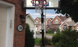 Expandable Spalding Basketball hoop