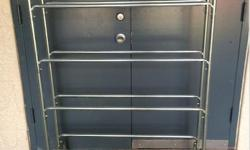 Sturdy rack in good condition