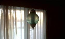 Gorgeous antique, unique lamp see pictures. Asking 25 dollars