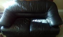 This love seat is in mint condition. No rips or damage whatsoever. Must sell ASAP. Asking for 60 obo.