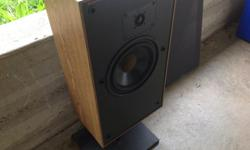 Boston Acoustic A-70 speaker (single) Yup....just one Very good condition...new correct foam Use as a replacement , spare, or as center between other similar Boston Stand not included
