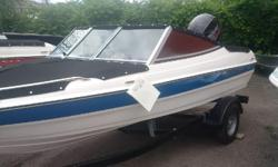 Reinell 160 bow rider with 90 merc 4 stroke and ez loader trailer bow and cockpit covers stereo and instruments one in red and one in blue