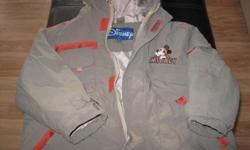 Boys DISNEY MICKEY MOUSE spring/fall jacket with hood Size 4 Brand - DISNEY Primary color - olive green Has picture of Mickey on the back of jacket Really cute No rips or stains Can meet in west end of Ottawa (Kanata) or pickup in Constance Bay