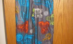 brand new boys flannel pj bottoms. still with tags. paid $9.99 plus taxes. asking $4. size is 6/7