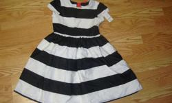 I have a Brand New Gymboree Dress Youth Size 10 for sale! This is in excellent condition and would look great in your child's room or to give as a gift. This retails for $43.95 (see tag in pictures) in stores so this is a great deal. Comes from a