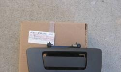 Fits 2007-2011 Chevrolet/GMC trucks Brand New   Please contact 624-8737