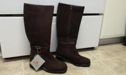 BRAND NEW Women's Brown Leather WInter Boots NEVER WORN Size 7 Blondo Canada 100% Natural Wool inside Waterproof Leather & Sealed Seams Asking Price $80 For Immediate Response Text/Call: Carol 613-204-9904 Email= dinelle.ch@gmail.com