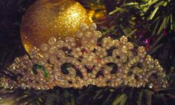 BEAUTIFUL TIARA, WORN ONCE. NO MISSING STONES AND HAS SIDE HOLES FOR PINS TO SECURE IN HAIR.... I RECIEVED MY COMPLIMENTS ON MY WEDDING DAY ON IT AND WOULD LOVE FOR SOMEONE TO FEEL LIKE A PRINCESS AS I DID..... PAID $140.00 LETTING IT GO FOR $90