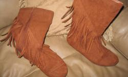 Brown Dress Boots Size 5 In new condition ONLY $10 Can meet in west end of ottawa (kanata) or pickup in Constance Bay