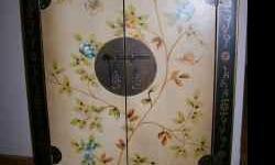 Cabinet Oriental Hand Painted Display Storage Cabinet - $475 (Yonge & College ) Cabinet Oriental Hand Painted Display Storage CabinetCabinet Oriental Hand Painted Display Storage Table/Cabinet Oriental Hand Painted Display Storage Table Beautiful hand