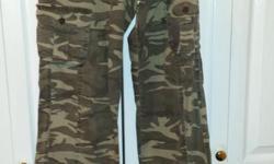 Ladies Camo Style Jeans with belt Brand: Bongo Size: 5