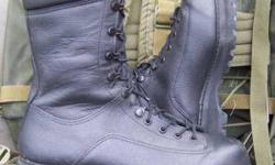CANADIAN MILITARY GORETEX COMBAT BOOTS , MOST SIZES , $60 GOOD TO VERY GOOD USED MADE IN CANADA , VERY HIGH QUALITY. PLEASE HAVE A LOOK AT MY OTHER GEAR AT: greengear.usedottawa.com .Churchill and Carling area