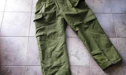 CANADIAN MILITARY GORTEX INSULATED PANTS, VERY HIGH QUALITY,LARGE SIDE POCKETS, SEVERAL SIZES. ALSO HAVE OTHER STYLES TO CHOOSE FROM. CHECK OUT THE OTHER GEAR AT: greengear.usedottawa.com Churchill and Carling area