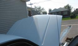 Chevy pickup hood for 88-98 mint condition.  Painted stock GM white.  $200.00905-834-9774 Check out my other ads