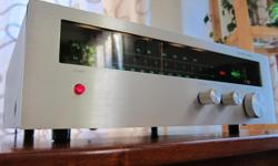 WORKS AND SOUNDS LIKE NEW Serviced in May 2016: All controls deoxidized and lubed; Tuner adjusted for best performance; All-new lamps * U*S*A design, Made in Japan, 1977 * FM Selectivity: 50dB * FM Frequency response: 6 - 120,000Hz * Output: 2V * 40 x