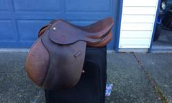 """17"""" collegiate close contact jumping saddle. In excellent used condition. Medium tree. Located in Nanaimo but come to Victoria regularly"""
