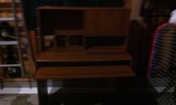 Excellent condition desk for sale! This ad was posted with the Kijiji Classifieds app.