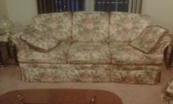 Charming love seat and couch, with 4 cushions Great condition, Smoke free home Pick up only Call 613.392.2340 after 6pm,