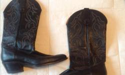 -black leather cowboy boots -size 9 women's Please call or text 250-217-3572
