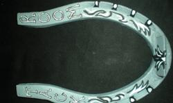 custom painted horseshoes, make a great gift! thay can be personalized for bithdays, weddings, congradulation gifts, nameplates... prices varry you can contact me by email. or text me at 613 876 4711   here are some shoes i have done/ are for sale pic 1: