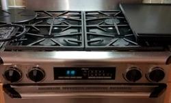"""Dacor Epicure Range 30"""" Model ERD30 Features 30"""" Dual Fuel Range 11,000 BTU Infrared Ceramic Gas Broiler Automatic Hold Pure Convection Oven Self-cleaning Oven Continuous, 14"""" Wide Platform Greats 4-15,000 BTU Sealed Gas Burners Electronic Controls,"""