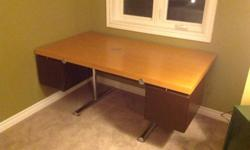 Solid Desk. Can be easily disassembled for transporting. I will disassemble for you. Very good condition. Best offer.