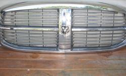 fits 2006-2009 dodge ram 1500-3500 front grill, no dents or scratches. came off 2008 3500 kevin 778-999-2806 $200 OBO