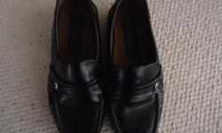Black Dress shoes for young man Only worn for Rep hockey games for one season Size 7W