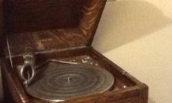 Box style, inverted speaker, Turntable ! Top of box needs restoration Offers? This ad was posted with the Kijiji Classifieds app.