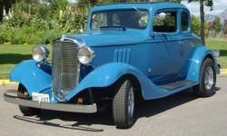 68 mustang 302 , 8 inch for rear end, 68 black buckets, 4spd  4  leaf springs, 600 holly , keystone wire wheels , drum brakes.
