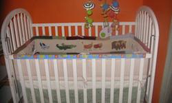For sale baby crib with mattress and bedding set.Crib in good cond with 2 leveles for mattrss,can be used as a toddler bed,side position can be changed.Pet,smoke,bugs free home.6477829575.