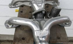 For Sale is a set of Ceramic Coated Sanderson headers that fit small block Chevs .These headers were installed and then removed.These headers do not require a gasket between cyl. head and header flange, they have a raised flange (see pic 2) just use a
