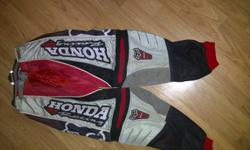 Honda FOX 360 motorcross pants Barley used, in great condition, no rips no holes Size 32