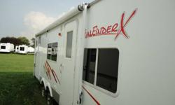 2006 24' fun finder x (model x240) made by Cruiser RV  Options: Air Conditioner (Roof), Ceiling Fans/Vents, Stabilizer Jacks, Shower, Toilet, Electrical Hook-up, TV, Stereo, CD, Cable Hook-up, TV Antenna, Microwave, Stove, Range Hood, Furnace, Awning,