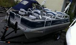 """Construction & Components Enlarged 23"""" x 25"""" U-shaped pontoon logs w/ Maxi-Float foam and smooth, straight sides have higher volume than 23"""" round logs for maximum flotation and superior ride. See Sun Catcher Construction link for more information. All"""